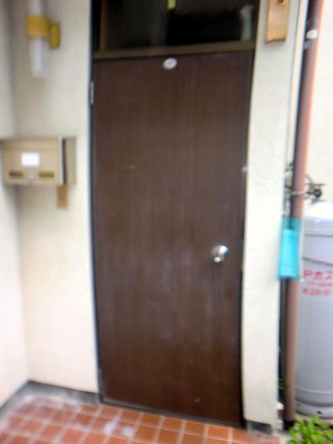 岡山市南区O様邸玄関ドア交換前